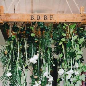 Op zoek naar groenversiering op jullie bruiloft? Hanging basket bij Groen Trouwen!
