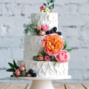 Keuze stress bij het uitzoeken van een bruidstaart? Ga voor een taart met bloemen bij Groen Trouwen!