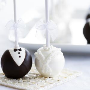 Keuze stress bij het uitzoeken van een bruidstaart? Ga voor de Cakepops bij Groen Trouwen!