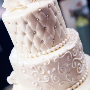Keuze stress bij het uitzoeken van een bruidstaart? Ga voor een klassieke taart bij Groen Trouwen!