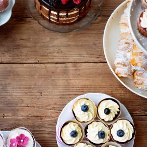 Keuze stress bij het uitzoeken van een bruidstaart? Ga voor een sweettable bij Groen Trouwen!